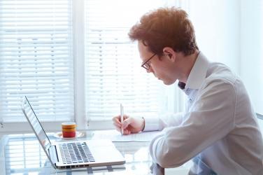 Начини за прекратяване на трудов договор между работодател и работник или служител