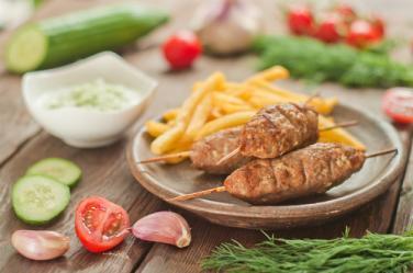 Намалена ставка от 9% по ЗДДС за ресторантьорските услуги